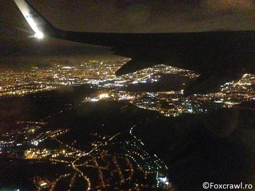 Paris noaptea zbor avion